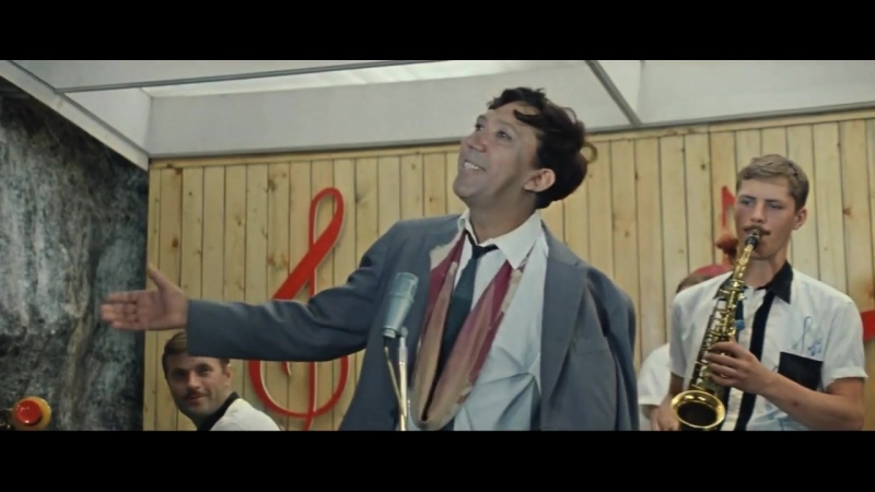 Песня про зайцев - Бриллиантовая рука, поет Юрий Никулин 1968 (А. Зацепин - Л. Д
