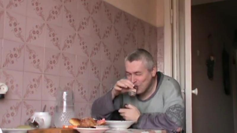 5БВ Саныч выпивает