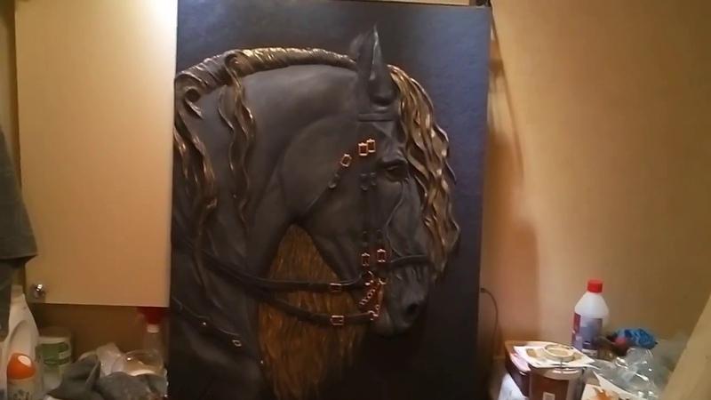 Барельеф,конь