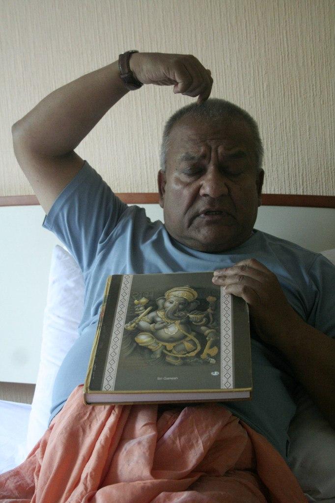 Шибенду Лахири рассказывает об изображении Ганеши.