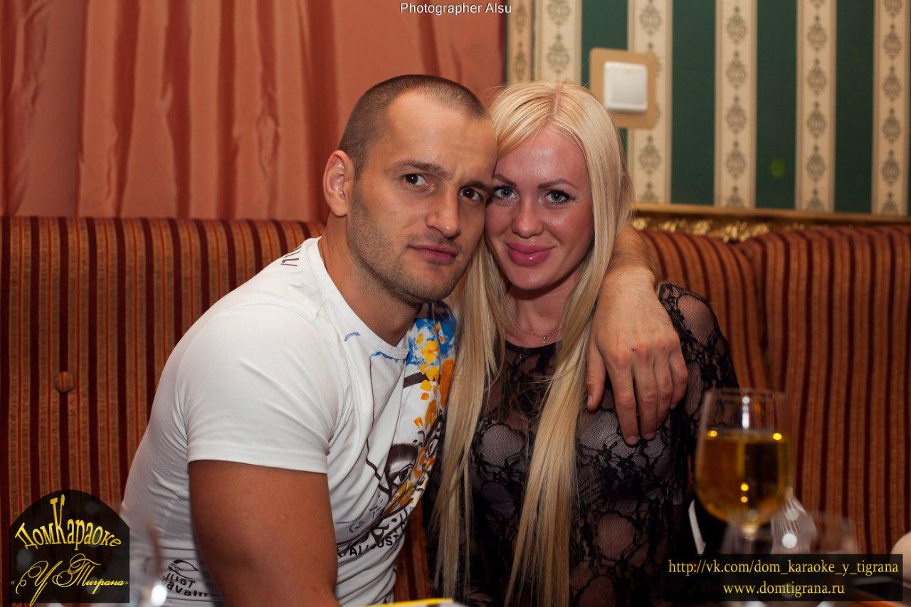 Алексей самсонов и юлия щаулина фото с ребенком