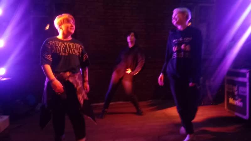 танец K Pop