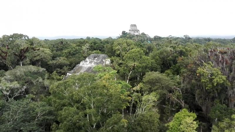 Незабываемые чудные виды открываются с вершины пирамид Ощущение полёта и невесомости