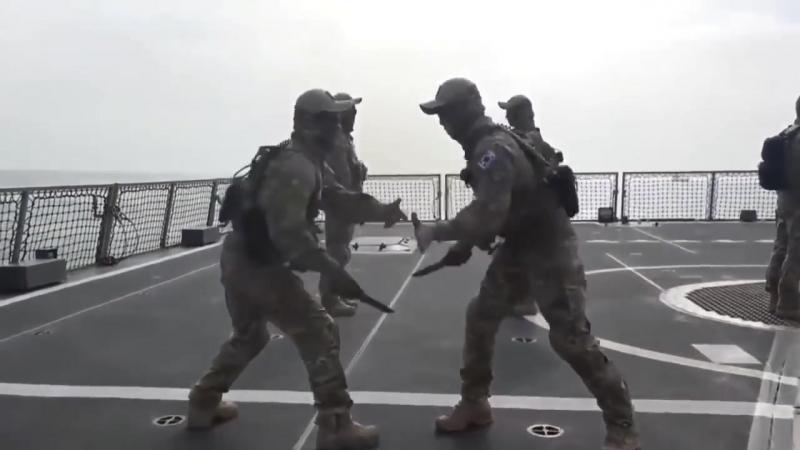 Превосходная работа ножом. Корейская армия