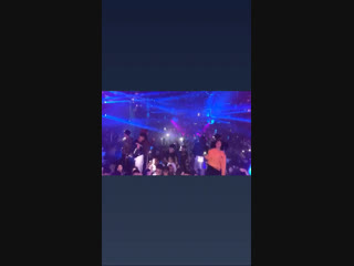 Crowd control with the lights on by dj leenata