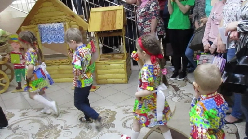 MVI_1065Русские посиделки в 344 детском саду, 16.05.18