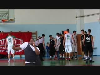 Танец party rock anthem во время баскетбольного матча