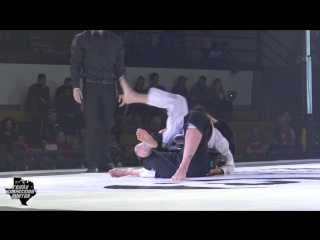 Submission Hunter Pro 24 - Jessica Buckner vs Joanie Chamberland