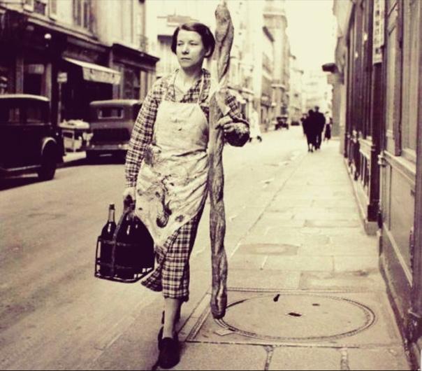 Портрет парижанки после похода в магазин.