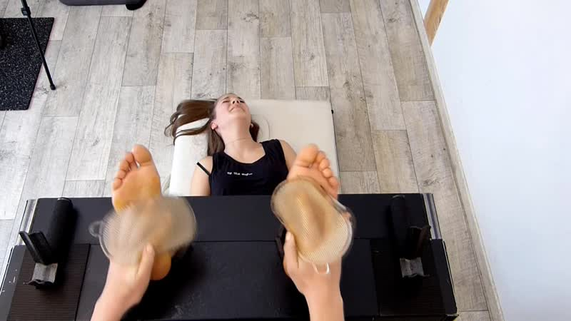 Soraya Ticklish feet