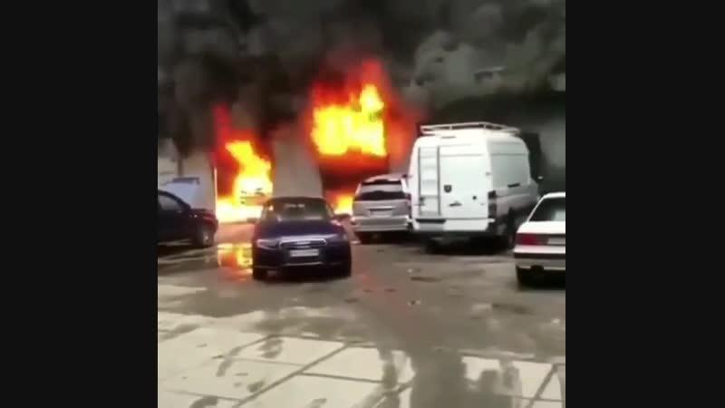 Сгорело 10 пуканов автовладельцев тех сервиса
