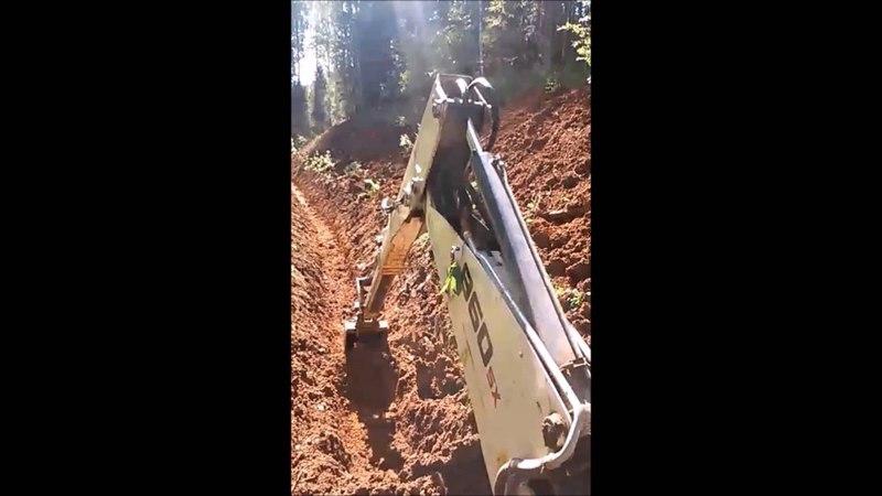 Терекс 860 Копка водоотводной канавы с откосами Digging drainage ditches with slopes