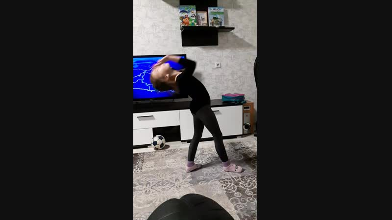 дочурка гимнастка