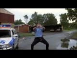 Смотри не связывайся с Бенни-полицейским !Kopps.2003.flv