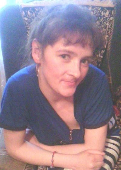 Лариса Савинова, 20 мая , Карпинск, id213103784