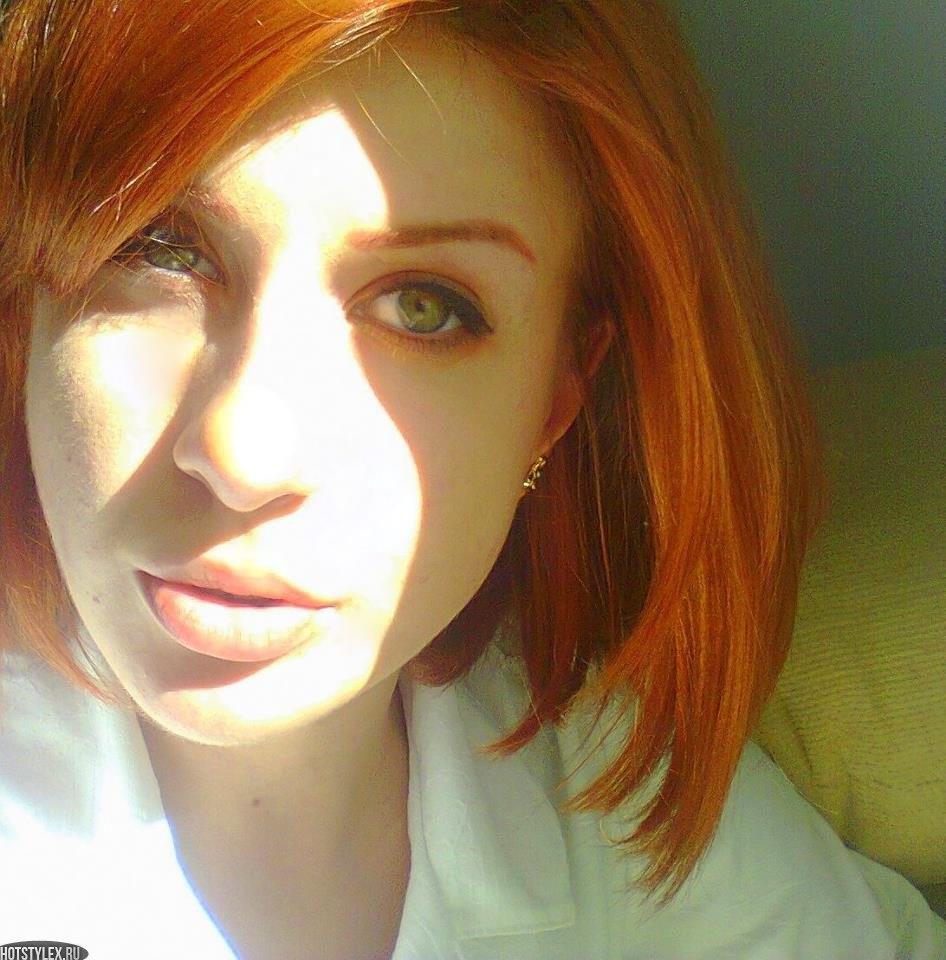 Фото красивой рыжей девушки