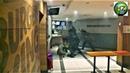 Des Gilets jaunes se font violemment matraquer dans un Burger King av. de Wagram - Paris -1 déc.2018