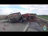 Land Rover Discovery разорвало в ДТП под Ростовом, трое погибли