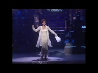 #nowwatching Classic Whitney Houston LIVE - Aretha Franklin Medley Tribute
