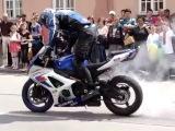 Мото трюки на Suzuki - Лучшее Видео про мотоциклы, и о мотоциклистах | Yamaha | Ktm | Honda | Suzuki | Ducati | Bmw | Kawasaki | Стантрайдинг | Трюки | Слет | Дрифт | Прохват | Дтп | Прикол | Мото |  Гонки | Драг | Ява | ИЖ | ПЛАНЕТА | ЮПИТЕР | ДНЕПР | УРАЛ | АВАРИЯ | ПОКАТУШКИ | СЕЗОН | 2012 | 2013 | 2014 | 2015 | 2016 | 2017 | КРУШЕНИЕ | АВТОМОБИЛИ | МОТОЦИКЛИСТ | СТАНТ | УРОКИ | ШКОЛА | СТАНТ | ЧЕМПИОНАТ | STUNT | ТОРМОЖЕНИЕ | ВИЛЛИ | СТОППИ | ФЛИП | ДРАКА | БАЙК | БАЙКЕРЫ | ЧОППЕР | СПОРТБАЙК | ТУРИСТ |