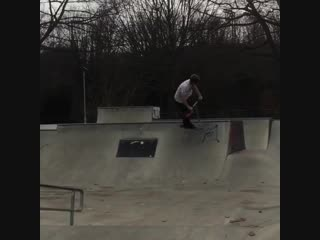 backwards.forksssHad a rad day in Chelmsford with @jakeraynerrr 🔥 here's some clips from the sesh 👀⁉️🤘🏻 @undialedtv #undialed #s