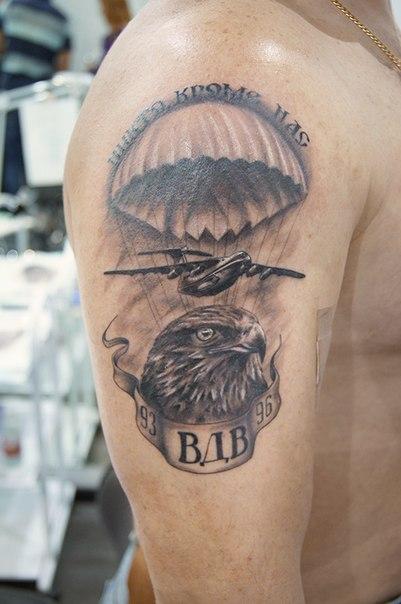 Татуировки волка в берете