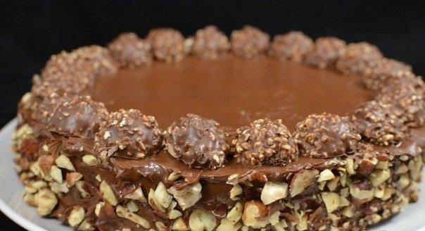 (лучший торт для торжественных дней)  Торт очень вкусный и в тоже время изысканный! Приготовление не составит труда для любой хозяйки 😉  Ингредиенты:  - 5 больших яиц  - 2 столовых ложки...
