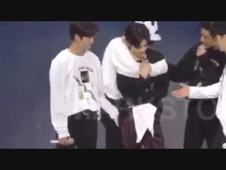 Джинён знает как успокоить Марка / markjin