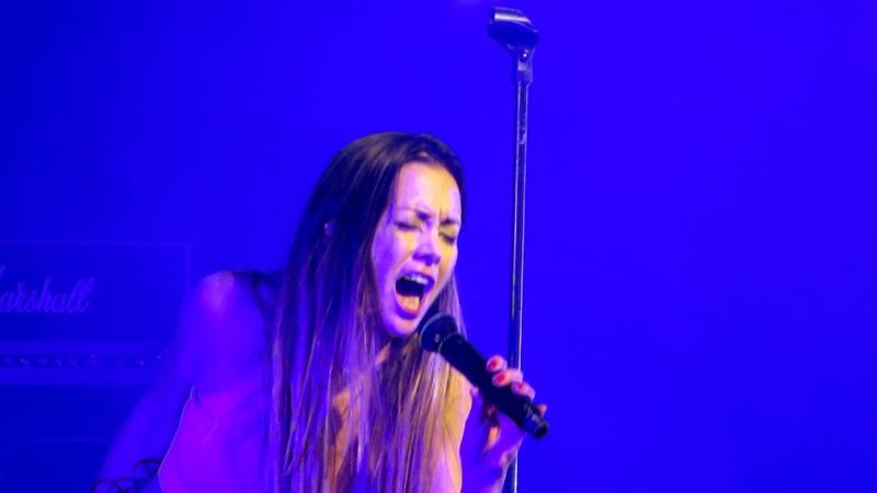 Anna Tsuchiya - Carry on - SJE 2017