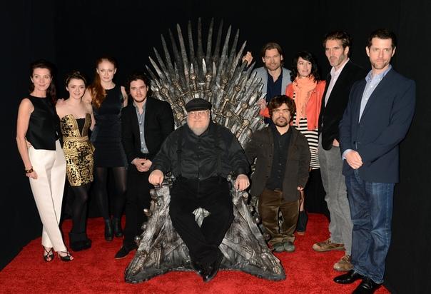 Джордж Р. Р. Мартин не читал сценарий восьмого сезона «Игры престолов» В беседе с Entertainment Weely автор «Игры престолов» Джордж Р. Р. Мартин признался, что приближающееся завершение сериала