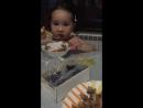 Доча кушает