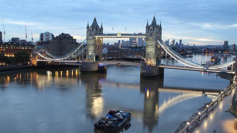 Timelapse видео с веб камеры в Лондоне, с видом на Тауэрский мост