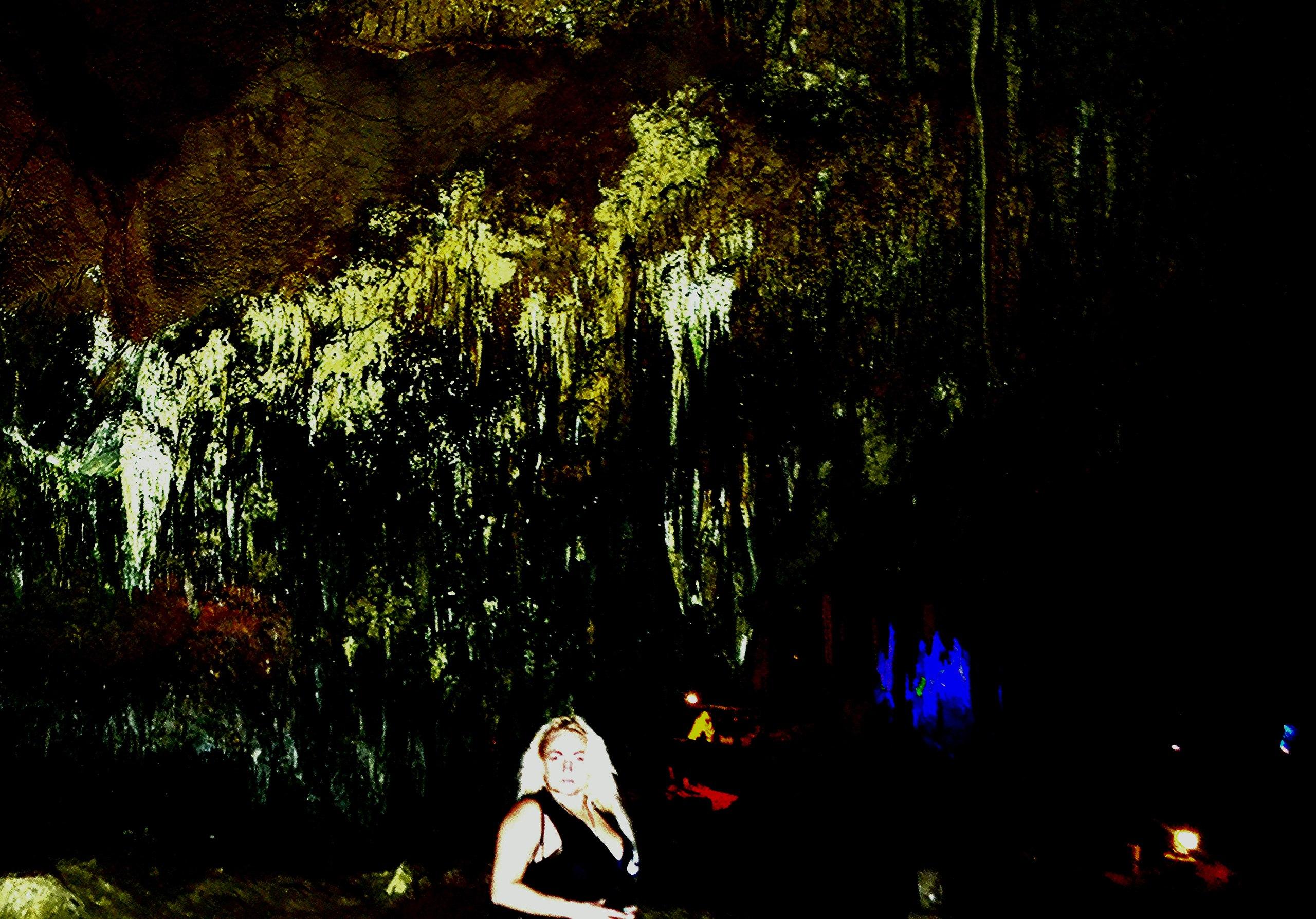 Хештег пещера на   Салон Магии и мистики Елены Руденко ( Валтеи ). Киев ,тел: 0506251562  W87pn9ITDXk