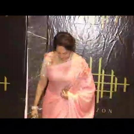 "Sana khan on Instagram ""@dreamgirlhemamalini @imeshadeol entertainmentnews entertainmentnews bollywood love india bollywoodactress follow ..."
