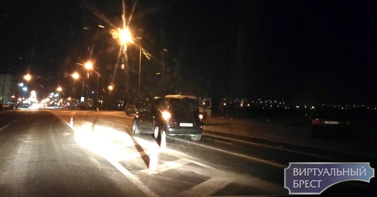 Водитель совершила наезд на 18-летнего пешехода на Сальникова