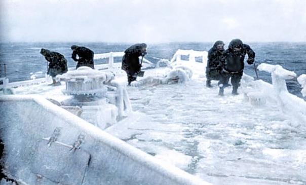Суровые и опасные арктические конвои из Британии в СССР во время Второй мировой войны C 1941 - 1945 года было проведено 78 арктических конвоев, когда из Великобритании в северные порты СССР