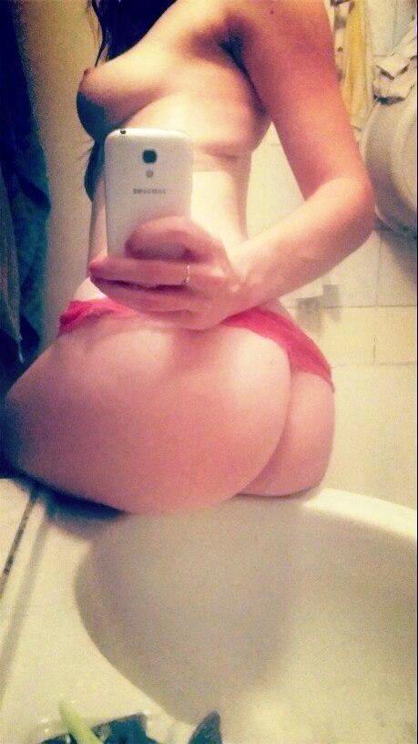 Busty amateur girlfriend masturbates fucks cumshot