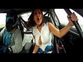 На гонках у девушки выпала грудь. Смотреть онлайн - Видео - bigmir)net