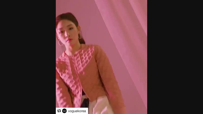 Repost @voguekorea ⠀⠀⠀⠀⠀⠀⠀⠀⠀⠀⠀⠀⠀⠀⠀⠀⠀⠀⠀⠀⠀⠀⠀⠀⠀⠀⠀⠀⠀⠀⠀⠀⠀ ・・・ VOGUEKOREA x FORCE IS FEMALE🏃🏻♀️💪🏻 전국민 오디션 프로그램부터, 아이돌 아이오아이 데뷔, 그리고