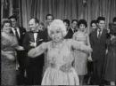 Dercy Gonçalves canta Castigo (1959)