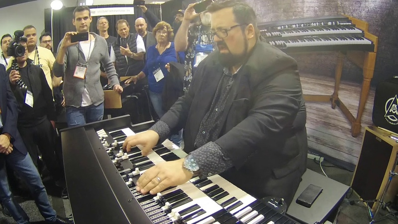 NAMM 2018 - Joey DeFrancesco plays One Hundred Ways on Viscount Legend Organ