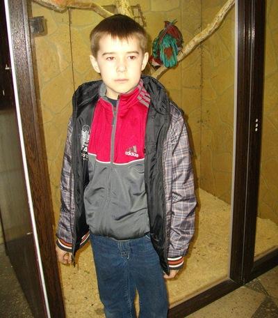 Богдан Пастухов, 3 апреля 1997, Павлоград, id205049845