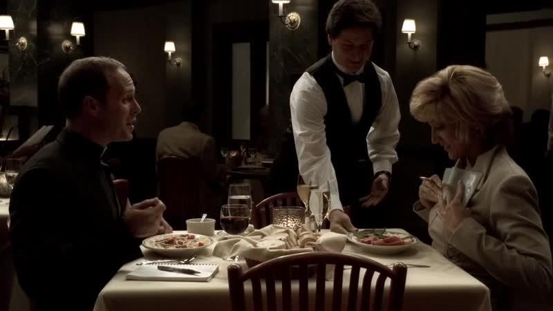 (S05E06_05) Кармела делится со священником, а тот включил гавноеда