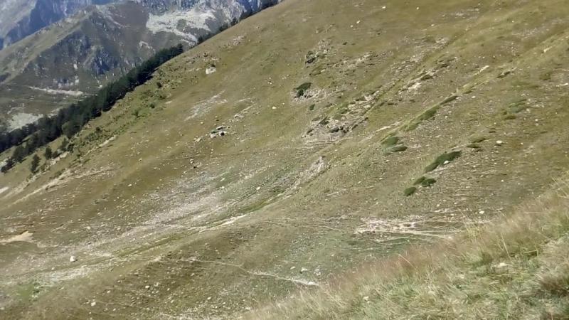 Спуск с перевала Уллукель Восточный в сторону Махара.