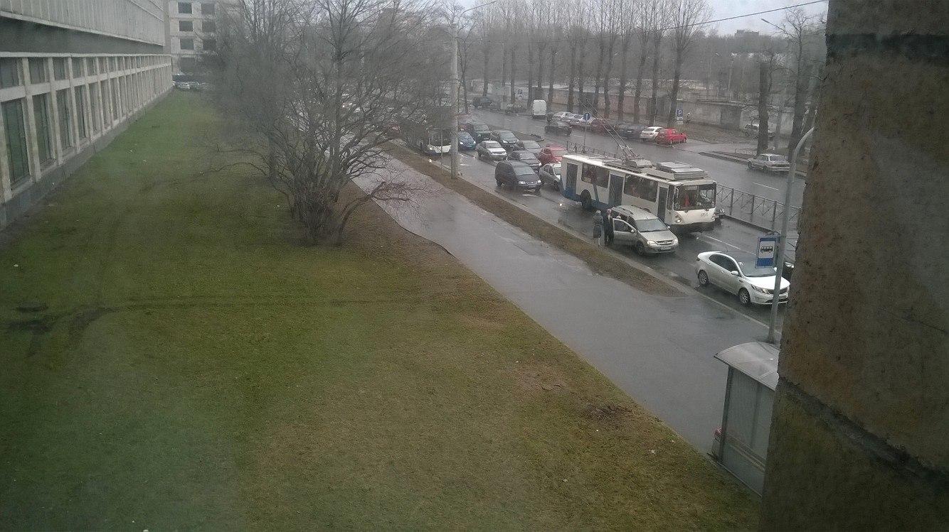 Свидетели: НаСветлановском шофёр «Мерседеса» устроил стрельбу