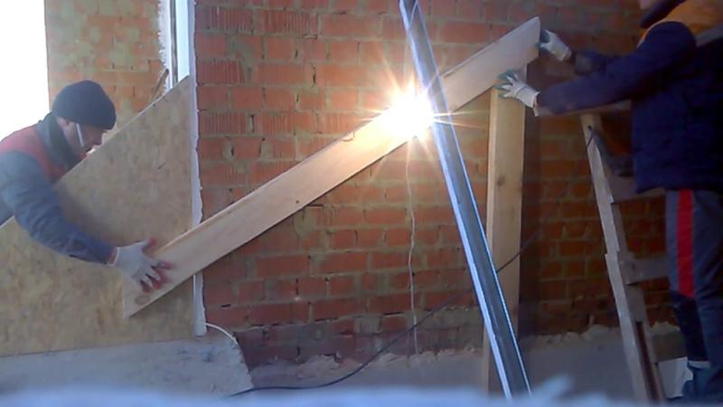 Крепление косоура лестницы 1. День-2 часть-1
