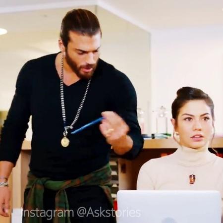 """❤️ Erkenci kus ❤️ on Instagram: """"😂❤️ Girl thought it's a date, heart breaker💔 demetozdemir canyaman demetözdemir erkencikus canem erkencikuş..."""