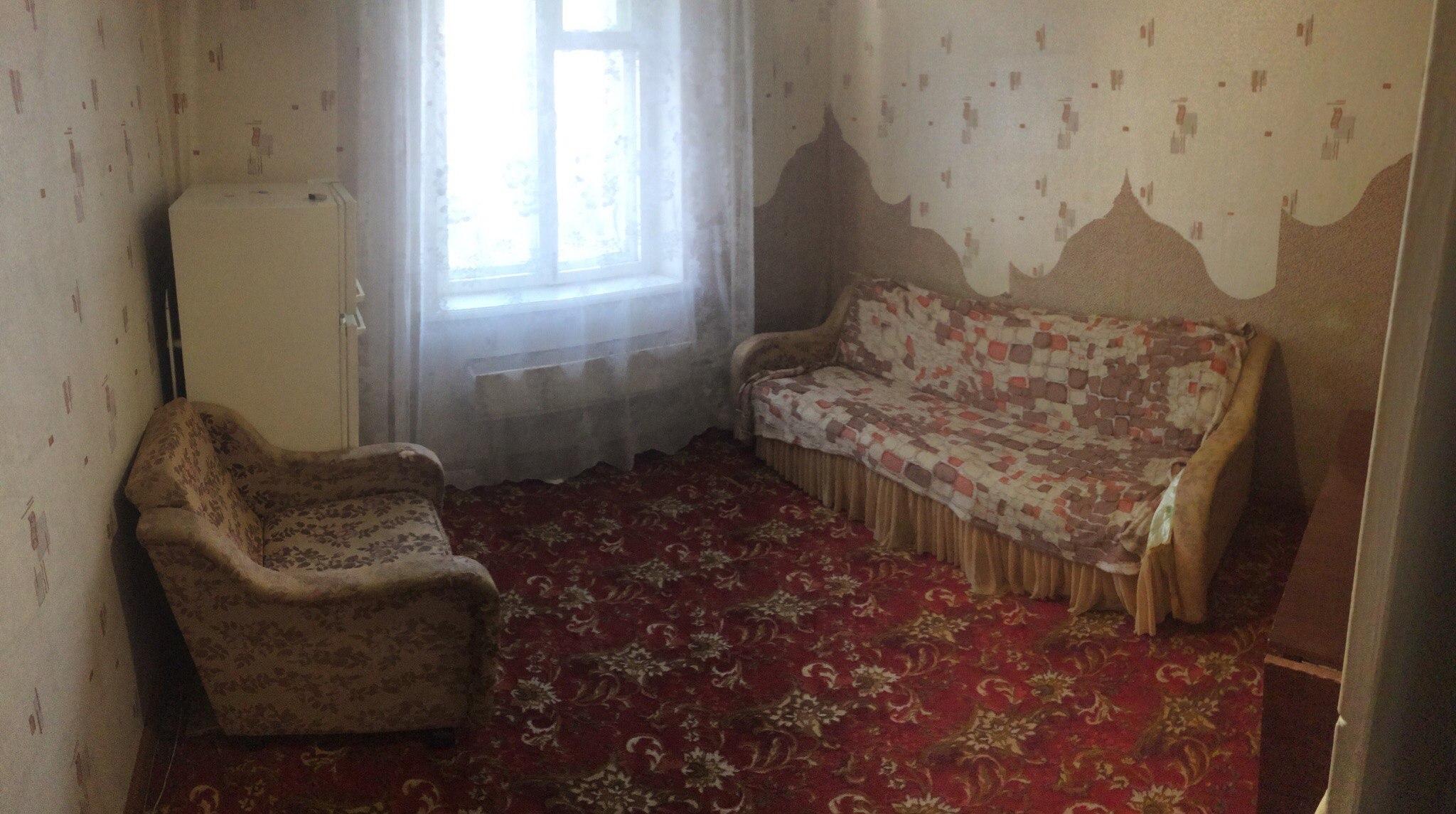Сдам гостинку чкалова 78, 7 этаж, 2-х местка, есть диван, кресло, холодильник , плитка, 5т.