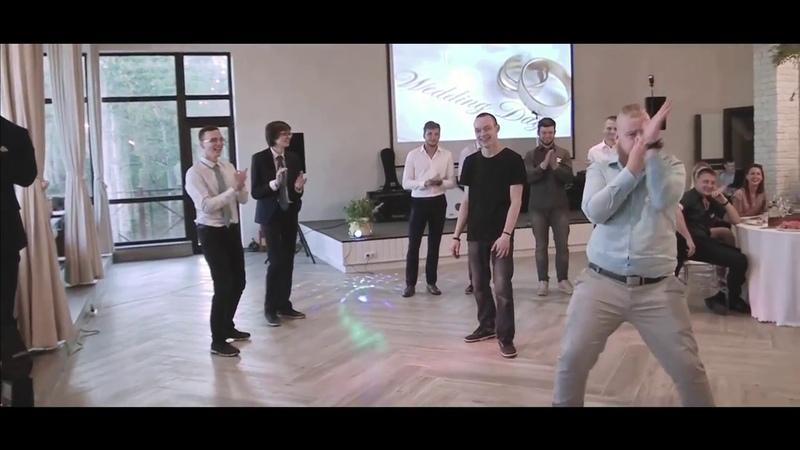Егор танцует лучше всех