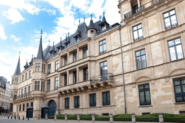 Дворец великих герцогов сколько стоит 30 монет гяпик
